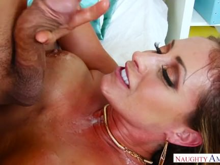 Step mom Eva Notty cant stop Masturbation